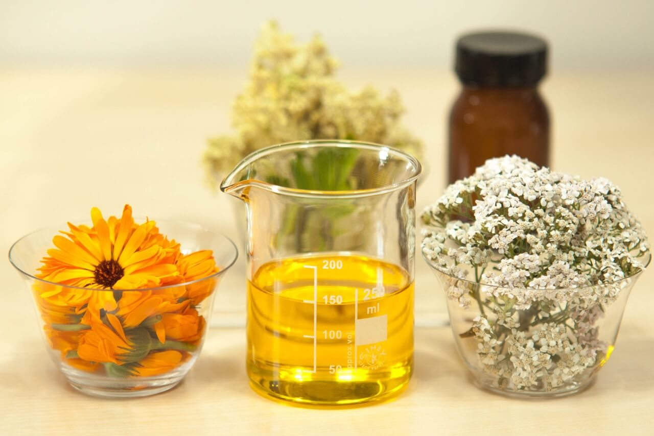 Benefits of Evening Primrose Oil I It Relieves Acne and